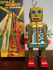 Vintage toy China Space Robot wind up tin robot