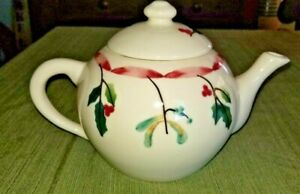 Hartstone Pottery Christmas Teapot Holly Berries Red Ribbon 1989
