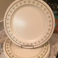 Vintage Anchor Hocking Ironstone Chantilly Pattern Set Of Four Dinner Plates
