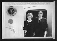 Vtg AP Wire Photo President Ronald Reagan & Wife Nancy Arrive For Funeral 1987
