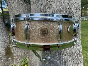 1965 Vintage Gretsch Snare Drum Round Badge Name Band 4157 Champagne Spkl NICE!
