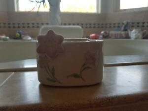 Ceramic Flowery Feminine Toothbrush And Toothpaste Holder