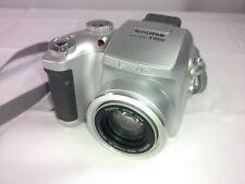 Fujifilm FinePix S Series S3000 3.2MP Digital Camera Silver +512 MB Picture Card