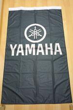 Fahne Flagge Yamaha Schwarz Banner mit Holsaumen - 150 x 90 cm