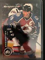 1997-98 Donruss Colorado Avalanche Hockey Card #117 Joe Sakic