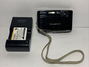 Fujifilm FinePix Z70 12 MP Digital Camera with 5x Optical Zoom w Battery Charger