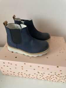 Clarks Kids Chelsea Boots Size 7f