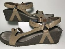 Teva Women's Size 9 Strappy Wedge Sandal Tan Leather