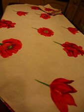 ronde ,1m77nappe aux coquelicots et fleurs rouges +8serviettes