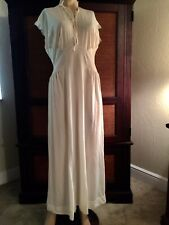 WOMENS 1940's VINTAGE CREAM COLOR GOWN