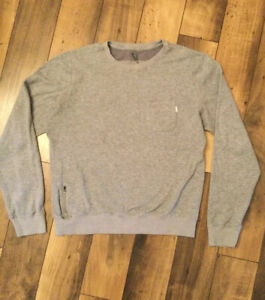 Vuori Crewneck pullover long sleeved men's large shirt/gray