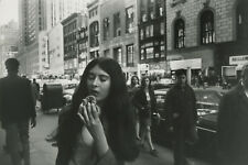 Garry WINOGRAND:  Women Are Beautiful, 1969 / Silver Print / SIGNED / GW79