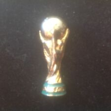 TRÈS RARE PINS FOOTBALL FRANCE 98 CUP COUPE DU MONDE fab /licenceARTHUS BERTRAND