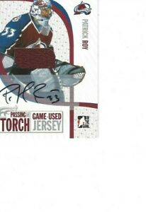 2005-06 IN THE GAME PASSING THE TORCH PATRICK ROY AUTOGRAPH JERSEY