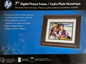 "7"" HP LCD Digital Photo Frame DF730A2 New"