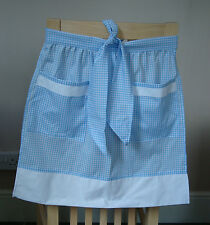 BLUE AND WHITE GINGHAM DESIGN HALF APRON / PINNY