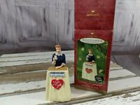 """New Hallmark Keepsake """"Lucy Does a TV Commercial"""" I Love Lucy Xmas Ornament 2001"""