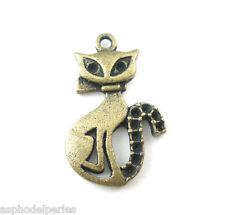 4 pendentifs breloques chat  couleur bronze 16 x 26 mm