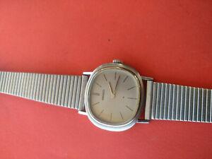 Vintage Seiko 2220-7120 Manual Wind 24J Ladies Wristwatch_779