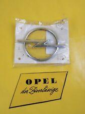 NEU + ORIG Opel Astra F Emblem Heckklappe Kofferdeckel hinten Zeichen Logo Blitz