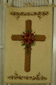 JUNGHANS WOLLE Vintage Hand-Hooked Wall Hanging Christian Religious Cross Roses