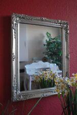 Deko-Spiegel im Antik-Stil aus Holz