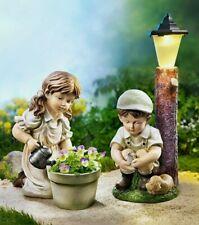 2 Gartenfigur Mädchen & Junge Nostalgie Solar Garten Deko Laterne Pflanztopf MT