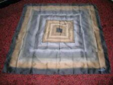 "grand carré foulard Géométrique""LIGNE III TORRENTE"" neuf"