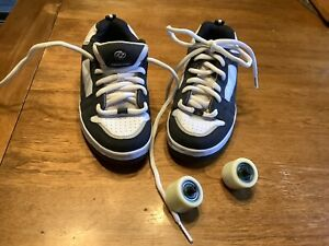 Youth Heelys Size Youth 3 Boys Or Girls  Black & White