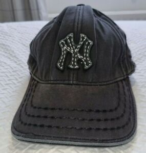 New Era Men's Cap - New York Yankees - Black Distressed Adjustable Size 58