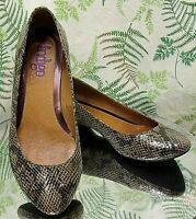CLARKS BROWN SNAKESKIN PRINT LEATHER LOAFERS SLIP ONS SHOES US WOMENS SZ 7.5 M
