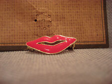 TEN79LA BOUTIQUE DESIGNER PINK LIPS KISS METAL PIN BROOCH - BRAND NEW