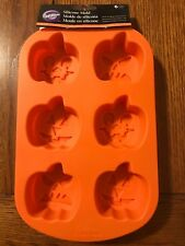 WILTON BAKING Cupcake Cake Mold Pumpkin Faces Harvest Holiday Silicone Crafting