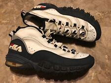 15272a9efaeb Vintage 90s FILA Spell-Out Running Dad Shoes White Blue Red Size 11.5 RARE!