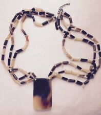 East brown/beige necklace