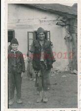 Foto, Schtz.Rgt.8, Serbien, serbische Jugend, 1941; 5026-316