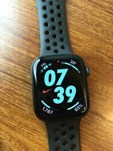 Apple Watch Series 5 Nike 44mm Space Gray Aluminum Case with Anthracite/Black...
