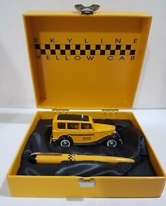 RARE COLLECTIBLE EVERSHARP SKYLINE YELLOW CAB FOUNTAIN PEN NEW IN BOX!