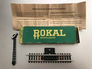 Rokal 00119 TT Gauge Uncoupling Track. Ontkoppelrail. Rail de découplement.