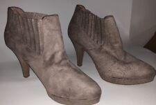 Dexflex Comfort Women's Ankle Boots Gray Suede Size 8 1/2 Shoe Heels Ladies Grey