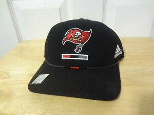 Vintage Tampa Bay Buccaneers Fitted Size 7 Cap Hat Adidas NFL NEW Black