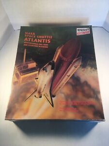 NEW MINICRAFT NASA SPACE SHUTTLE ATLANTIS Plastic model kit Kit No. 11616 1/144