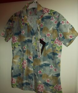 Johnny Lambs short-sleeved shirt Size 40 (New with tags)