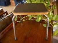 Vintage Stepping Stool Mid Century Modern MCM Wood Metal Kitschy Step Spider Leg