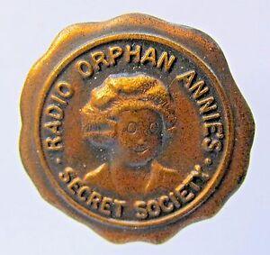 1934 RADIO ORPHAN ANNIE SECRET SOCIETY Member Pinback badge Ovaltine Premium
