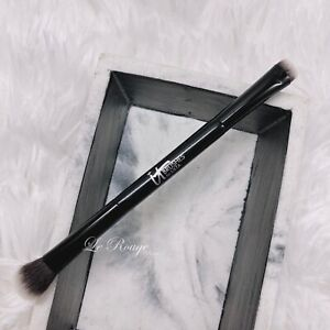 It Cosmetics doubled ended All-Over Shadow Smudge Brush eyeshadow brush