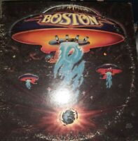 - BOSTON S/T BOSTON FIRST ALBUM LP EPIC 34188 NO BAR CODE NO DECALS 1976
