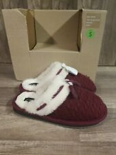 Clarks Faux Fur Knit Burgundy Slippers With Tassels Size 6M Small