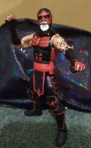 PENTAGON 0M. AEW custom Figura Elite In Black And Red.