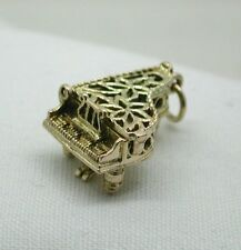 Very Pretty Large Heavy 9ct Gold Peirce Work Grand Piano Opening Charm